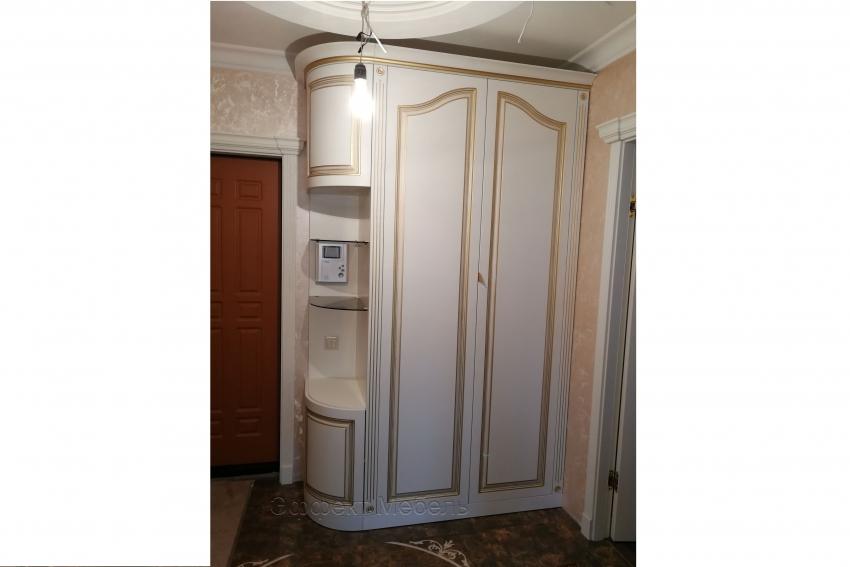 Шкаф с распашными дверьми из МДФ