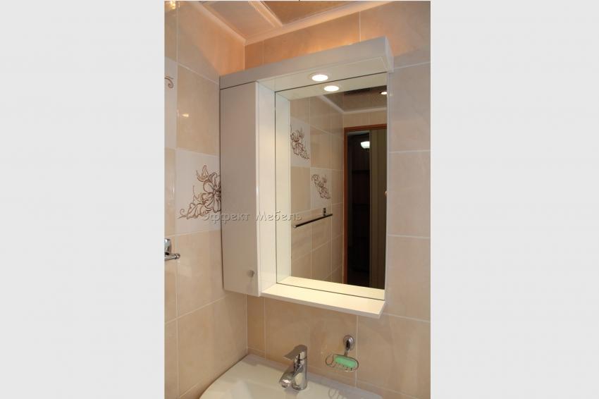 Шкаф в ванну из МДФ крашеного.