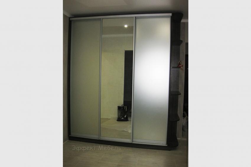 Шкаф-купе с 3-мя дверьми