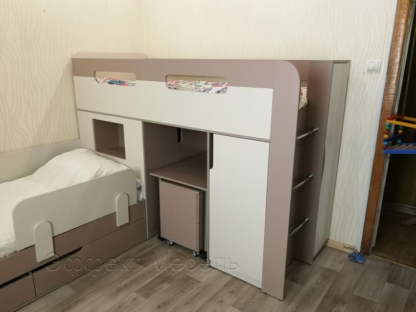Кровать двухярусная в детской