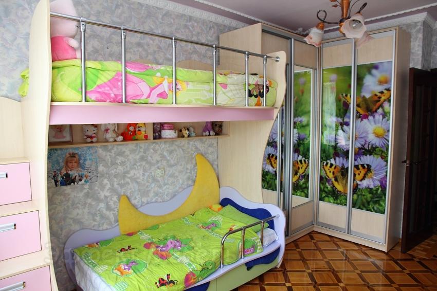 Кровать детская со шкафом-купе