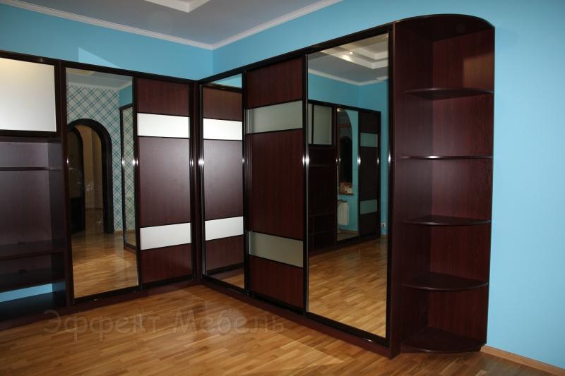 Шкафы-купе в гардеробной