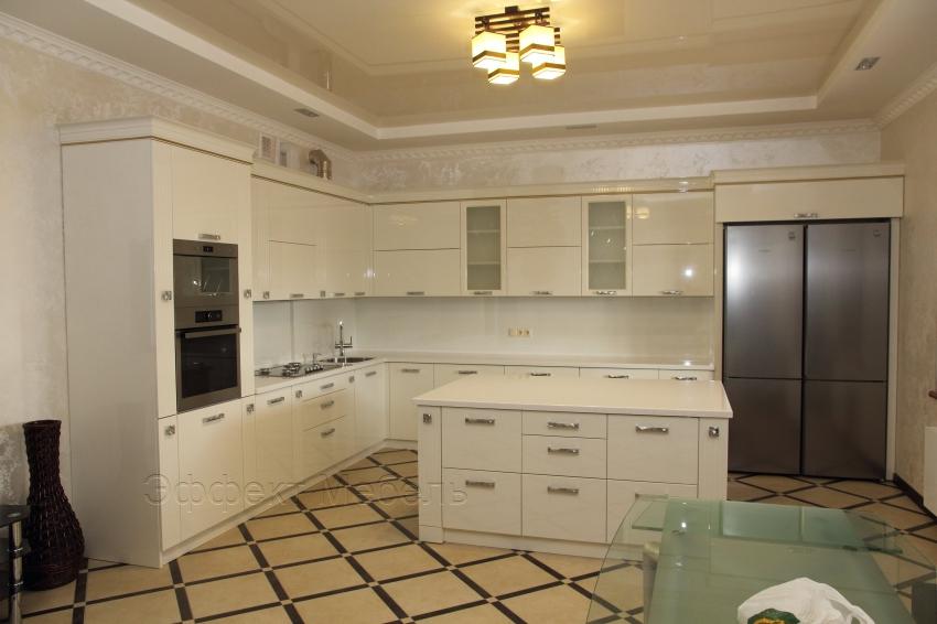 Кухня  с фасадами МДФ крашенный