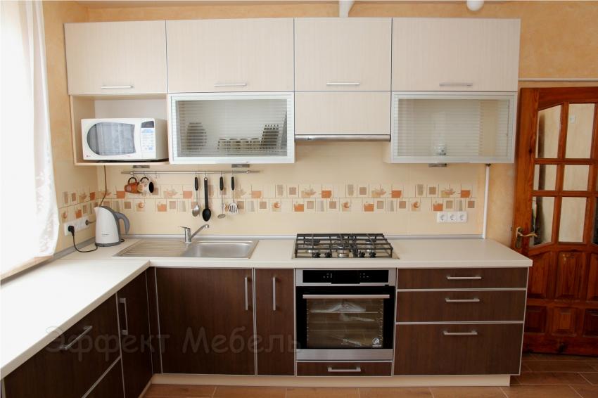 """Кухня """"Венге"""" фасады в алюмин. профиле"""