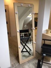Зеркало в рамке с подсветкой