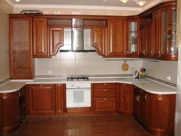 Кухня с фасадами из массива Ясеня