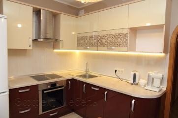Кухня с фасадами из МДФ крашенный