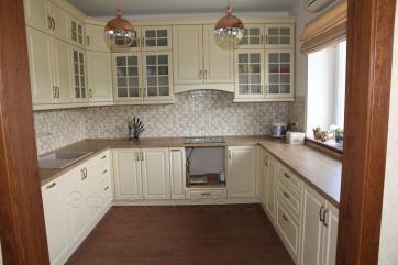 Кухня в классическом стиле из МДФ крашенного