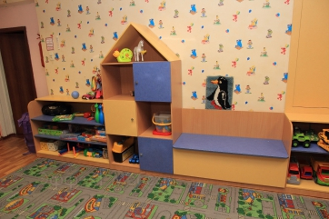 Мебельная стенка в детском садике