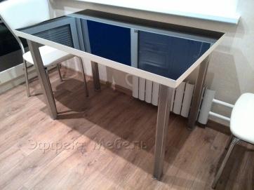 Стол обеденный из стекла и ДСП