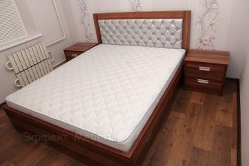 Кровать двух-спальная с мягким изголовьем