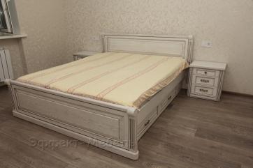 Кровать двухспальная из массива Ясеня.