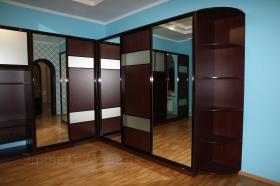 Шкафы купе угловой с зеркалом