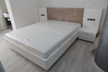 Кровать двухспальная из МДФ крашеного.